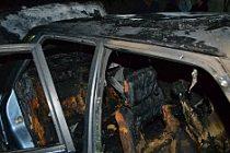 Kulu'da Park Halindeki Araç Yandı