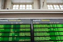 Stockholm'de duran trenler işe gidenleri zorda bıraktı