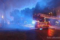 Uddevalla'da çıkan yangında can pazarı!