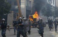Lübnan'da göstericiler iki bakanlık binasına girdi: Çıkan gerginlikte 170 kişi yaralandı