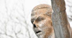 Zlatan İbrahimoviç ırkçı saldırıların hedefinde - Burnunu kırdılar