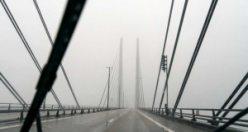Rus savaş gemisi Öresund Köprüsü'nde kaza yaptı