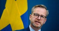 İçişleri bakanı Mikael Damberg, yeni kısıtlamaları açıklayacak