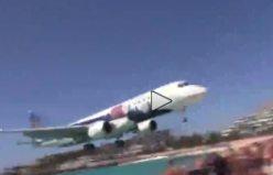 İnsanların 1 metre üzerinden iniş yapan uçak