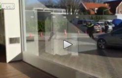 Polis, Hollanda'da bıçaklı genci böyle vurdu...VİDEO