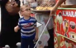 Dondurmacını yaptığına çocuk isyan etti...VİDEO