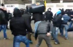 Polisle taraftar arasında öyle kavga çıktı ki...