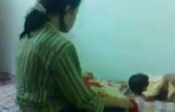 Kadının çocuğa tüyler ürperten işkencesi!