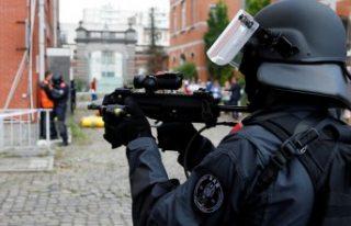 Avrupa'nın kalbinde silahlı saldırı! 2 polis...