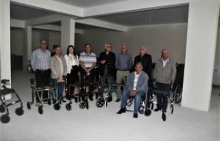 İsveç'ten Kulu'daki yüzlerce engelliye...