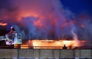 30 kişinin yaşadığı apartmanda korkutan yangın
