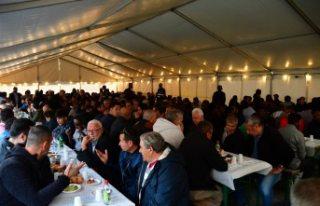 Stockholm'de yaklaşık bin kişiye iftar verildi