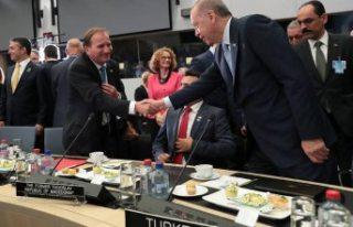 İsveç Başbakanı Löfven, Erdoğan'ı tebrik...