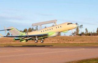 İsveç'in ürettiği o savaş uçağı ilk uçuşunu...