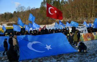 Stockholm'de Doğu Türkistan için Çin protesto...