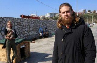 Sokak köpekleri için İsveç'ten gelerek Adana'da...