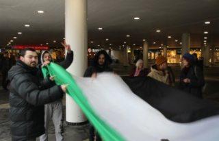İsveç'te Esed Rejimi Protesto Edildi