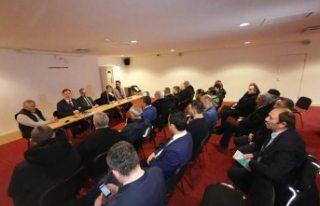 Kamu Başdenetçisi Şeref Malkoç, Fittja Ulu Camisi'nde...
