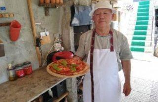 İsveç'te emekli olup köyünde pizzacı açtı
