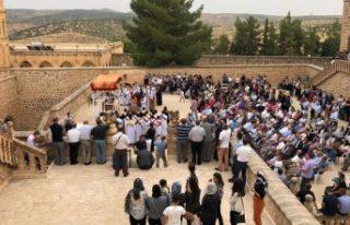 İsveç'teki Süryaniler kutsal gün için Midyat'a...