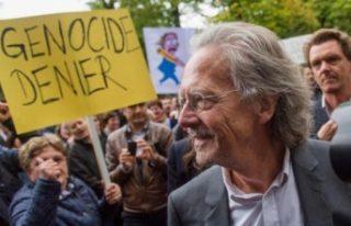 """Bosnalı kurban yakınlarından İsveç'e """"Nobel""""..."""