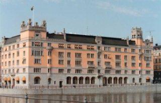 İsveç hükümet binasından silah çalan güvenlik...