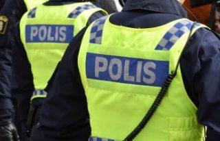 İsveç'te McDonalds önünde bir kişi bıçaklandı