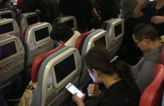 Türkiye yeni yılda uçuşta telefonlarını kapatmayan...
