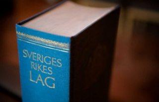 İsveç'te iki kişiyi bıçakla yaralayan kişiye...