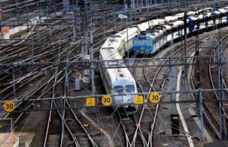 İsveç'te meydana gelen kaza sonrası tren trafiği...