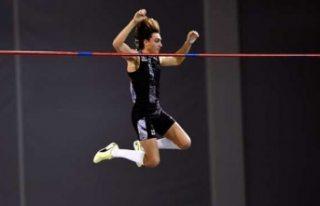 İsveçli atlet Armand Duplantis, dünya rekorunu...