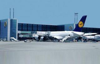 Korona virüsü Havalimanlarını da vurdu