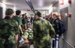 İsveç askeri garnizonunda iki asker vuruldu