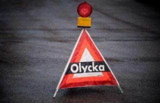 İsveç'te kamyonun karıştığı kazada bir...