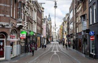 Hollanda'da 54 Türk vatandaşı Covid-19 nedeniyle...