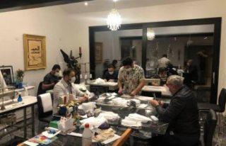 İsveç'te gönüllü yüz maskesi diken Iraklılar...