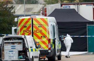 İngiltere'de TIR arkasında bulunan 39 cesetle...