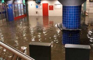 Västerhaninge tren istasyonu atık sular altında...