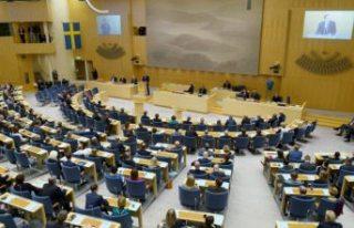 İsveç parlamentosu Covid-19 nedeniyle risk grubunda...