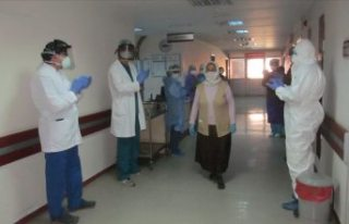 Sağlık Bakanı Koca: İyileşen hasta sayısı vaka...