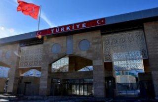 Türkiye, İran hariç bütün sınır kapılarını...