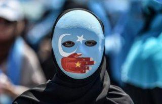 Çin'in Doğu Türkistan'daki zulüm politikasına...