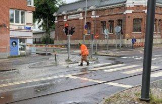 Göteborg'da su kaçağı nedeniyle tramvay trafiği...