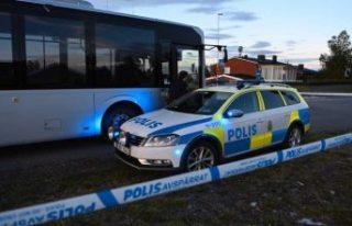 Saldırganlardan kaçan kişi, otobüse sığınmasına...