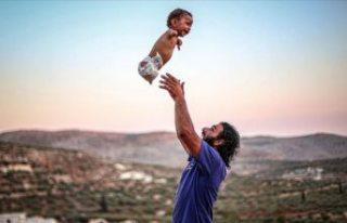 Doğuştan ayak ve kolları olmayan Muhammed bebek...