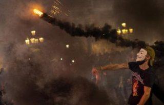 İspanya'da Covid-19 protestolarında olaylar...