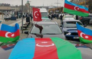 İsveç'te Azerbaycan'a destek için araç...
