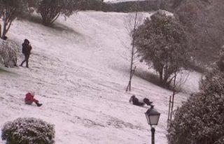Avrupa'da yoğun kar yağışı: Sıcaklık eksi...