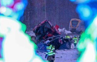 İsveç'te can alan kaza: Trenin çarptığı...