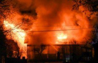 Feci yangında bir kadın ve iki çocuk hastaneye...